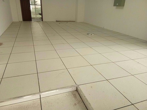 HPL全钢防静电地板