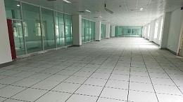 未来星PVC防静电地板厂家日产量1万平,护航万家汇写字楼如期交工