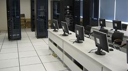 为什么选购机房全钢架空防静电地板都会问到房间是否异形?