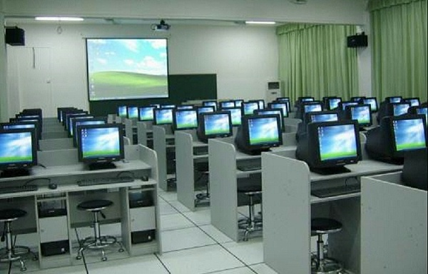 学校电教室全钢防静电地板